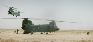 NL MILITAIREN BEGELEIDEN VERKIEZINGEN IN AFGHANISTAN